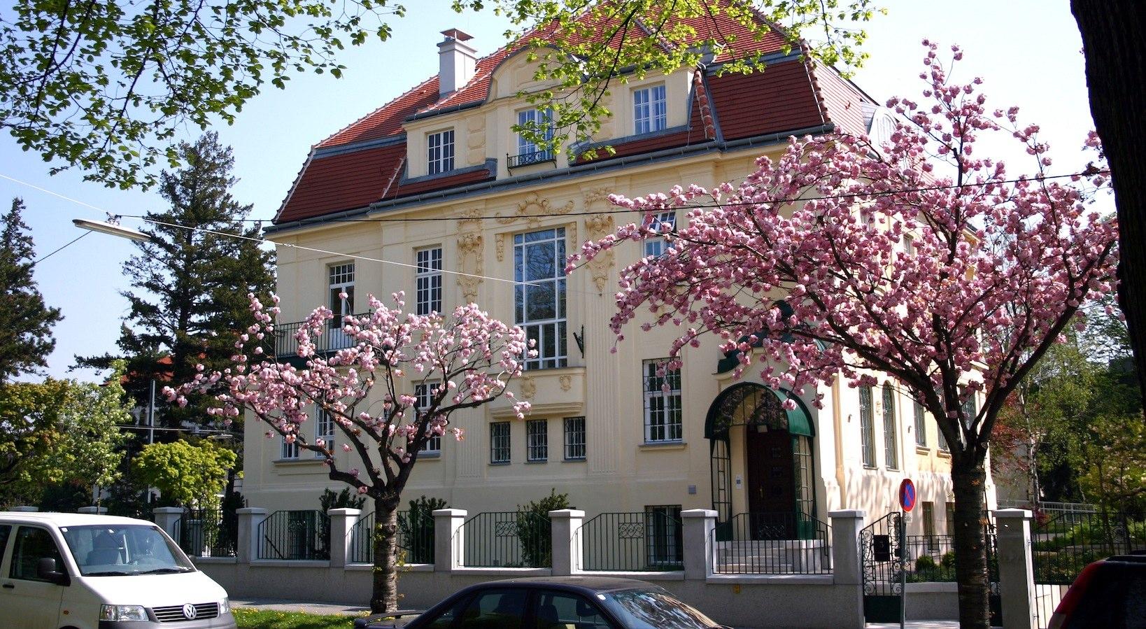 Mehr als ein Studentenheim: Studentenhaus und Akademie
